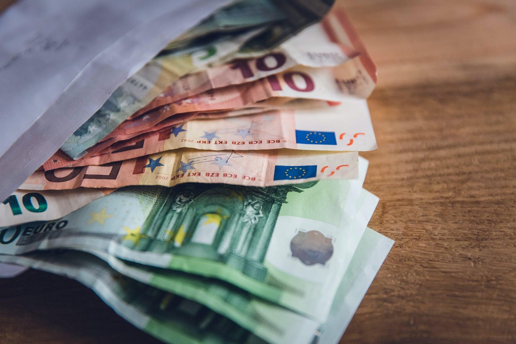 Ľuďom, ktorí vyhlásili osobný bankrot, banky len tak ľahko peniaze nepožičajú.