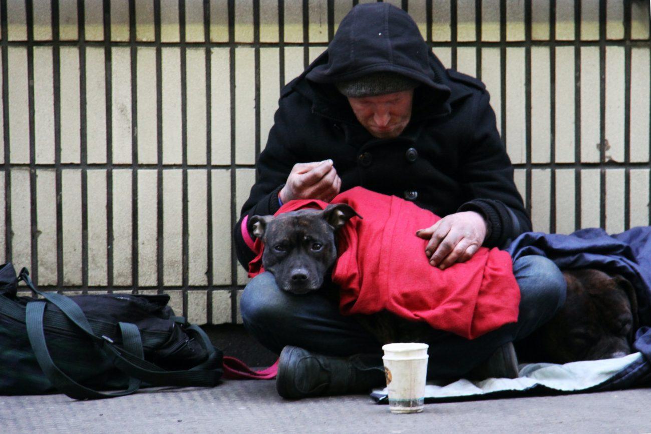 Pre ľudí na ulici potrebujeme zimné oblečenie